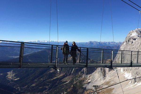 hangbrug van de Dachstein Gletsjer, brug op 2900 meter hoogte