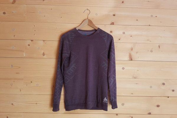 odlo kinship review thermoshirt aan hanger