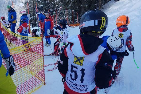 skiwedstrijd kinderen oostenrijk