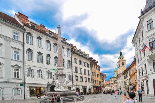 Ljubljana is een prachtige plek voor een tussenstop onderwe naar Kroatië.