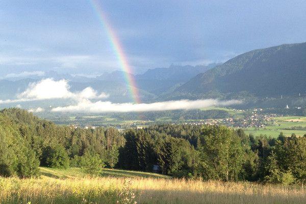 Regenboog tijdens de zomer in Karinthië