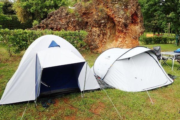 muggen weren op de camping