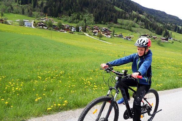 review Btwin fietshelm kind getest in Oostenrijk