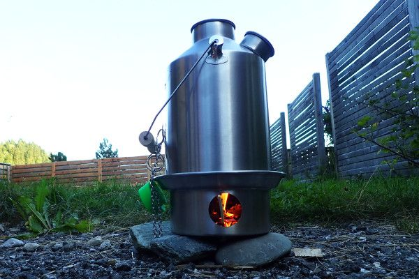 Kelly Kettle in de tuin