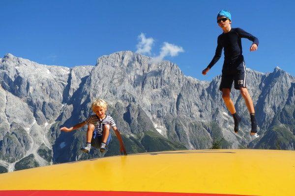 springen op het luchtkussen in Hochkönig