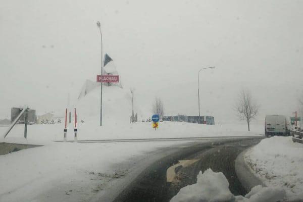 Rijden bij sneeuiw: kijk ver vooruit