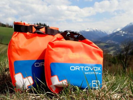 Review Ortovox mini EHBO kit getest