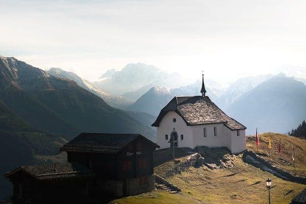 Bettmeralp Idyllisch bergdorp in Zwitserland