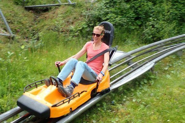Zomer rodelen in de coaster op de Rittisberg.