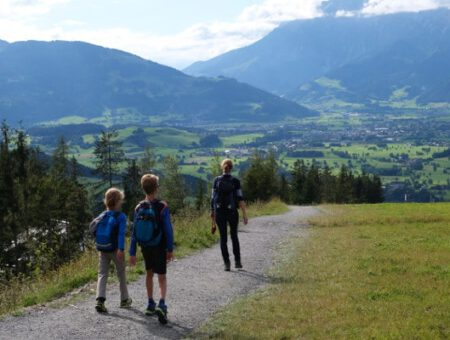 Familie wandeling rondom Natrun in Maria Alm