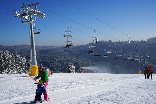makkelijk skigebied met veel blauwe pistes duitsland