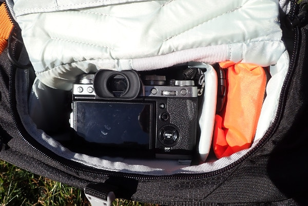 Het handige opbergvak van de camera.